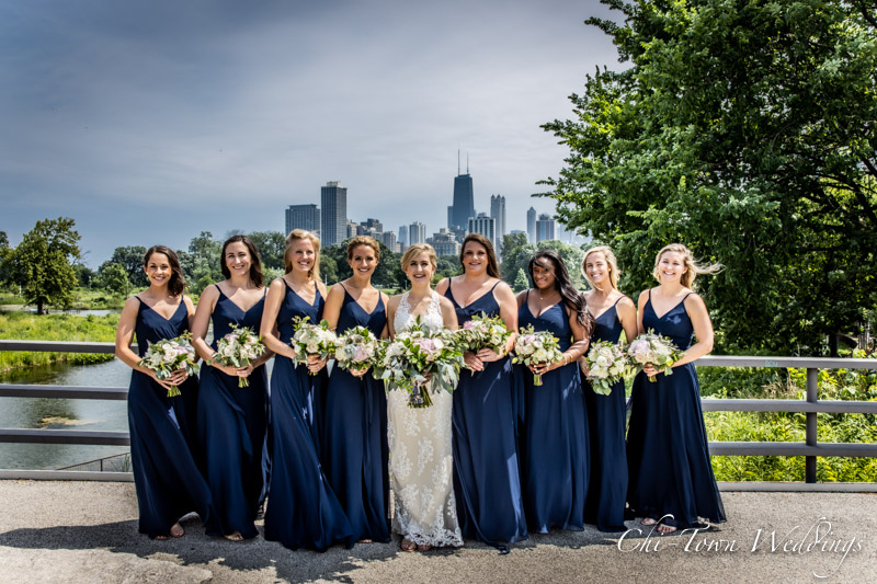 www.Chi-Town-Weddings.com  Bridal Party Chicago skyline