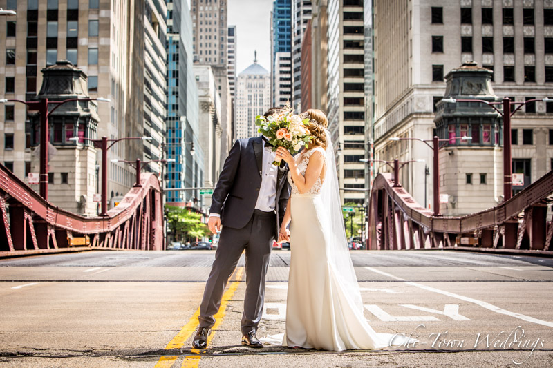 www.Chi-Town-Weddings.com Bride and Groom Lasalle St Chicago