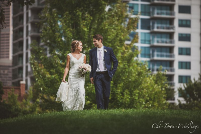 Chi-Town-Weddings-Bride and Groom Grassy Hill Chicago